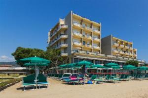 Hotel Bellevue Et Mediterranée, Отели  Диано-Марина - big - 28