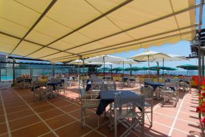 Hotel Bellevue Et Mediterranée, Отели  Диано-Марина - big - 27