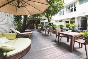 Feung Nakorn Balcony Rooms and Cafe, Hotels  Bangkok - big - 97