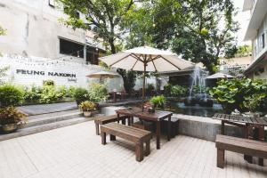 Feung Nakorn Balcony Rooms and Cafe, Hotels  Bangkok - big - 81