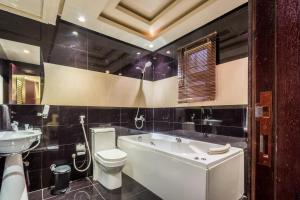 Almuhaidb Al Takhasosi Suites, Apartmánové hotely  Rijád - big - 13
