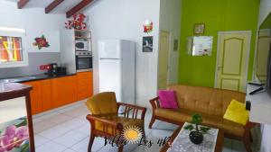 Villa les 4R, Villas  Les Abymes - big - 8
