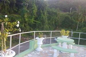 Roof Grande @ Casa Feliz, Boscobel