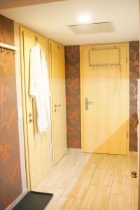 Tóparti Wellness Apartman Delux, Apartmány  Velence - big - 21