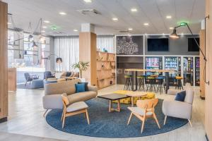 Tryp Madrid Airport Suites, Мадрид