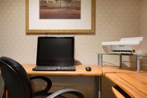 Days Inn by Wyndham Renfrew Conference Centre - Hotel - Renfrew
