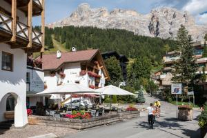 Ciasa Scjadu - Apartment - San Cassiano
