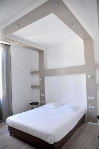Grand Hôtel - Saint-Avit-du-Moiron