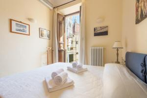 obrázek - CHARMING 2BED APARTMENT overlooking DUOMO