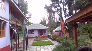 Hostels und Jugendherbergen - kareri village homestay