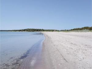 Three-Bedroom Holiday Home in Katthammarsvik, Case vacanze  Katthammarsvik - big - 19