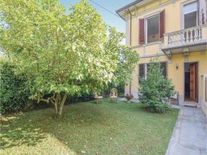 Holiday Home Camaiore (LU) XI - AbcAlberghi.com