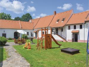 Two-Bedroom Apartment in Opalice - Český Krumlov