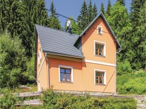 Three-Bedroom Holiday Home in Nejdek - Nové Hamry