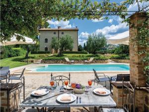 Nine-Bedroom Holiday Home in Perugia -PG- - Pilonico Paterno