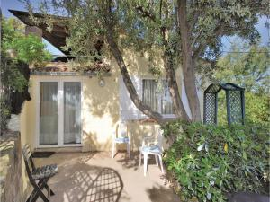 obrázek - Two-Bedroom Holiday Home in Sainte Maxime