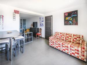 One Bedroom Apartment in Sollies Ville