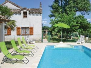 Three-Bedroom Holiday Home in Montlauzun - Sauveterre