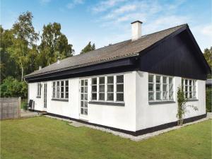 obrázek - Holiday Home Juelsminde with Fireplace 4