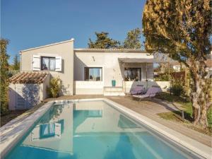 obrázek - Two-Bedroom Holiday Home in L'Isle sur la Sorgue