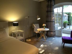 Hostellerie Le Roy Soleil, Hotels  Ménerbes - big - 59