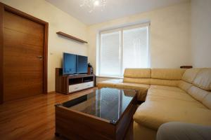 Luxury City Centre Apartment with AC