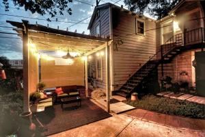 obrázek - Ultimate Guest House, ECO Pecan Tree House ATX