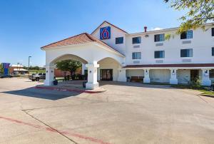 Motel 6-Bedford, TX - Fort Worth
