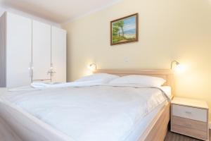Ferienwohnungen Rosengarten, Апартаменты  Бёргеренде-Ретвиш - big - 306