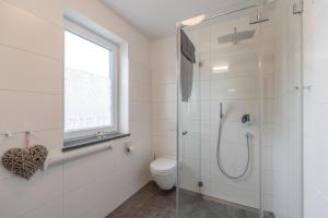 Ferienwohnungen Rosengarten, Апартаменты  Бёргеренде-Ретвиш - big - 300