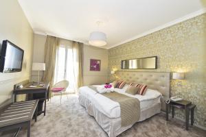 Hôtel Le Royal Promenade des Anglais, Hotel  Nice - big - 56