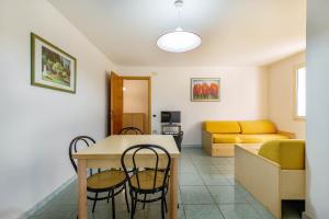 Mare Azzurro, Apartmánové hotely  Cardedu - big - 90