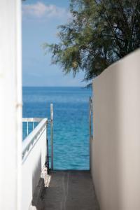 Spacious apartment on the beachfront, Dovolenkové domy  Melission - big - 14