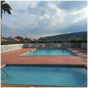 Caymanas Estate Neighbor, Penzióny  Caymanas - big - 27