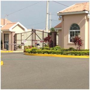 Caymanas Estate Neighbor, Penzióny  Caymanas - big - 30