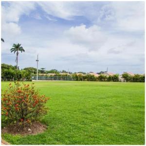 Caymanas Estate Neighbor, Penzióny  Caymanas - big - 32