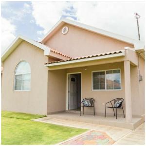 Caymanas Estate Neighbor, Penzióny  Caymanas - big - 4