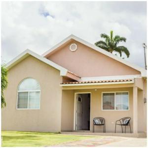 Caymanas Estate Neighbor, Penzióny  Caymanas - big - 14