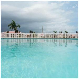 Caymanas Estate Neighbor, Penzióny  Caymanas - big - 33