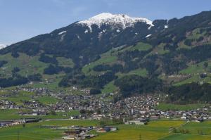 Ferienwohnung Eberharter, Apartmány  Hart im Zillertal - big - 14