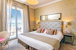 Hôtel Le Royal Promenade des Anglais, Hotel  Nice - big - 59