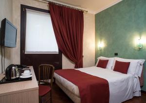 Hotel Plaza.  Фотография 18