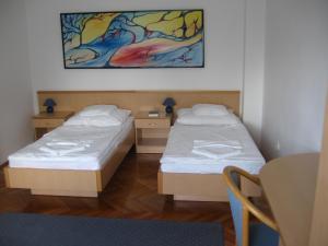 Leier Business Hotel, Aparthotels  Gönyů - big - 69