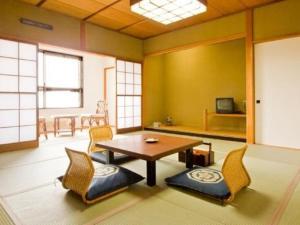 Akakura Onsen Hotel Korakuso, Ryokany  Myoko - big - 28