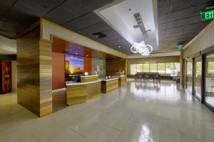 Best Western Premier Milwaukee-Brookfield Hotel & Suites, Hotels  Brookfield - big - 55