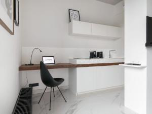 Deluxe Apartment in Poznan near River