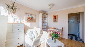 Warsaw Apartment in Srodmiescie
