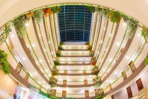 Отель Three Seasons Place, Бангкок