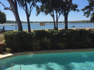 The Esplanade Holiday Apartments - Twin Waters