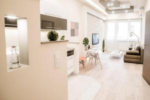 New luxury apartment in the center with A/C